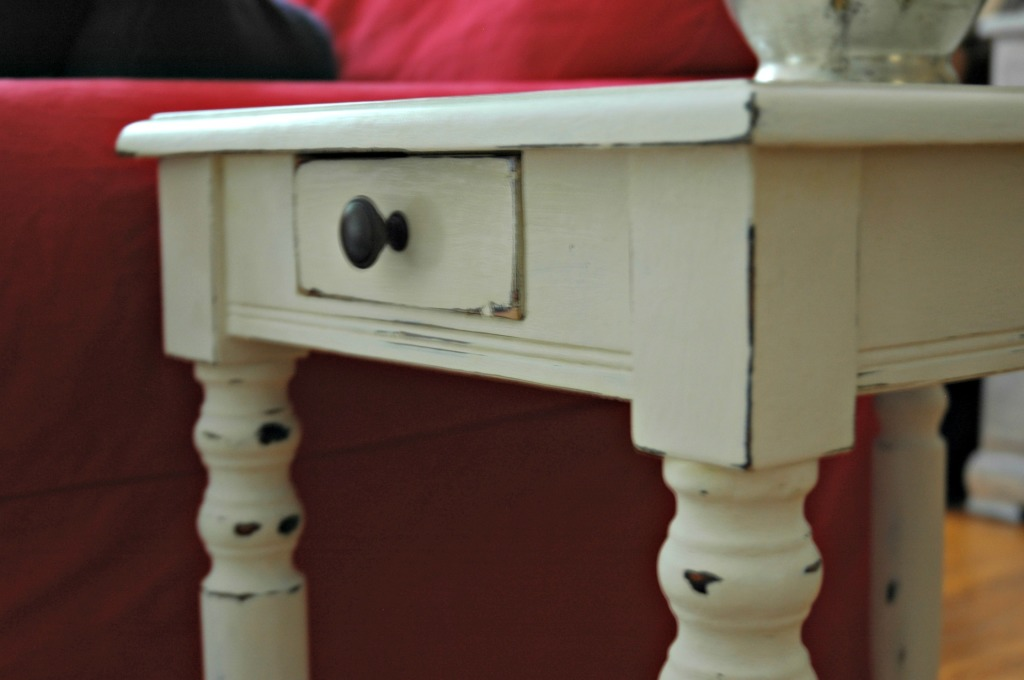 Close-up Side Table