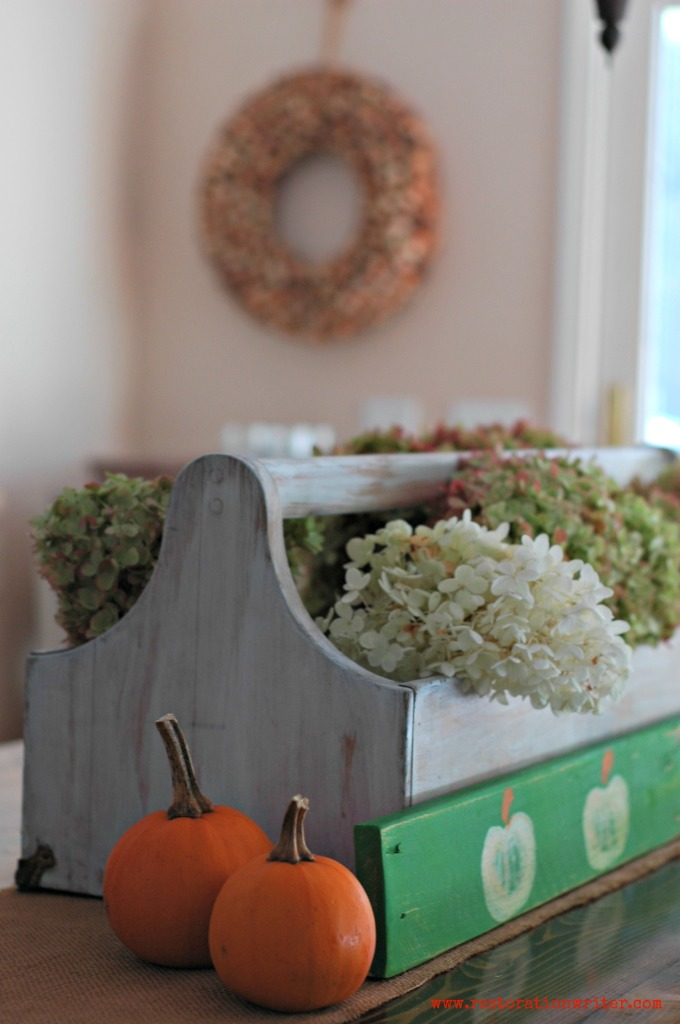 Easy and Inexpensive Fall Centerpiece