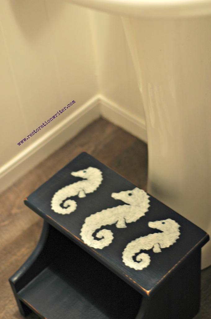 Seahorse Step stool