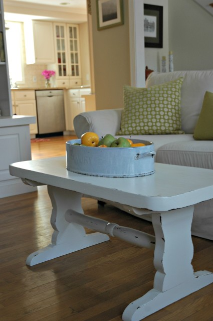 Learn how to distress a coffee table